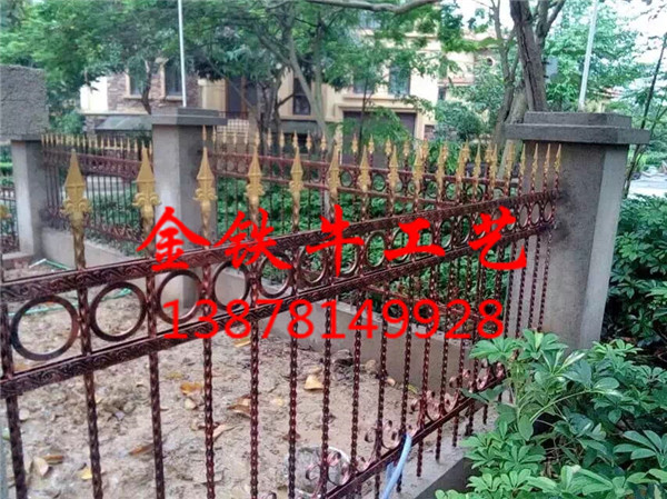 南宁铁艺围墙供应-大量出售南宁铁艺栏杆