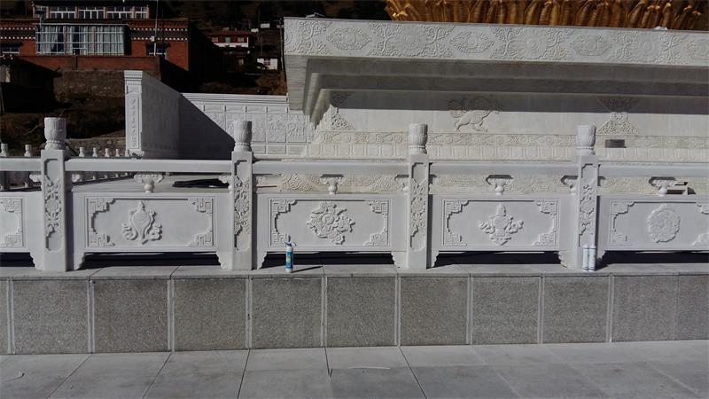 天然汉白玉栏杆-四川优良的石栏杆供应出售