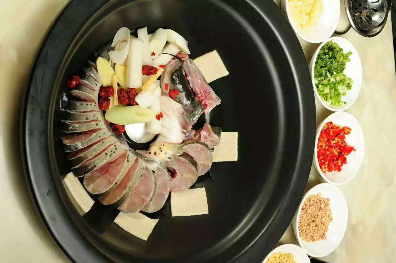 重庆云南蒸汽石锅鱼加盟费|河南石器食代石锅鱼加盟机构报价