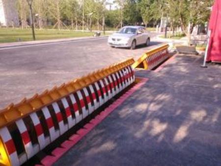 陝西翻板路障價格|大量供應優良的翻板路障