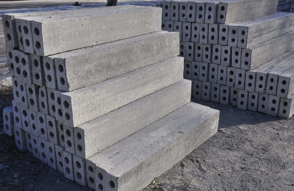 潍坊哪有供应价格合理的水泥过梁_水泥加重过梁价格