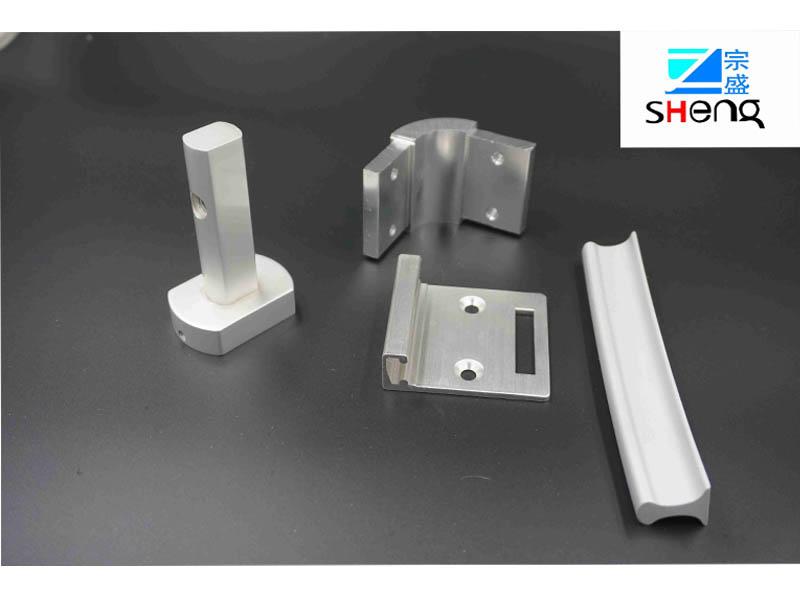 铝合金汽车行李架订制|山东可靠工业铝型材厂家直销