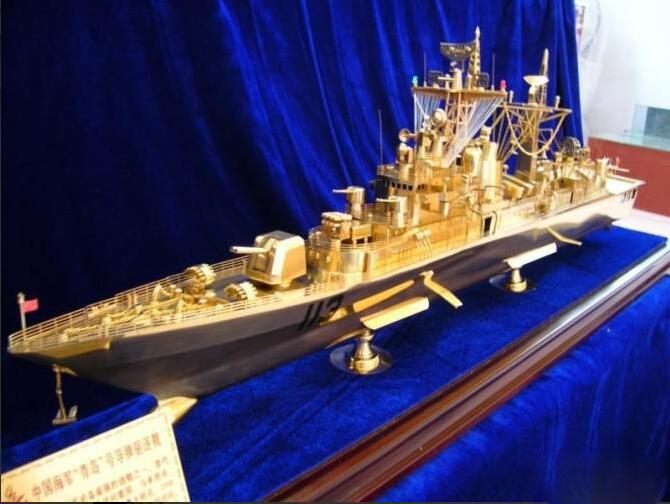 加盟辽宁舰摆台-实惠的纪念品在哪里可以买到