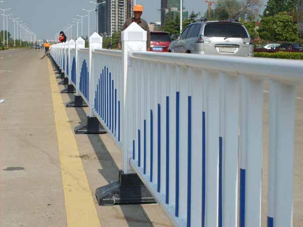 甘肃安全护栏价格-兰州熙达交通设施专业供应安全护栏