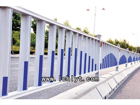 供应优良口碑的烟台锌钢护栏  威海阳台护栏价格