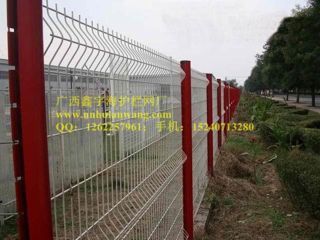 南寧小區圍欄網-南寧哪里有供應優惠的桃型柱護欄網