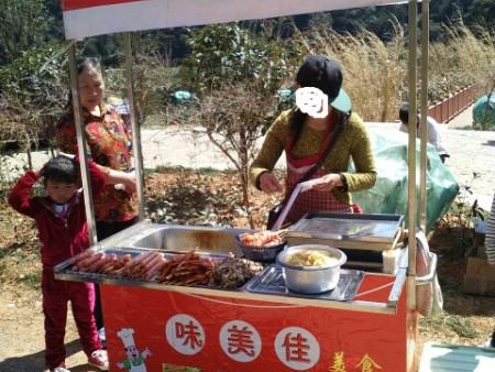 關東煮小吃車定做電話,專業的麻辣燙小吃車定做—味美佳
