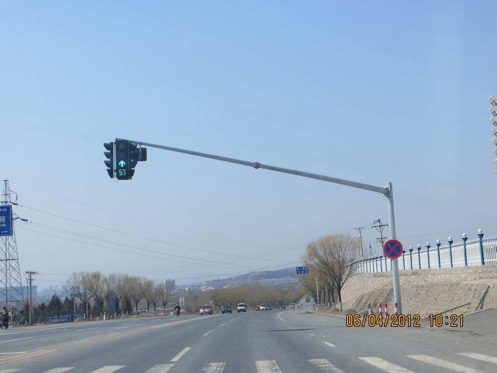 沈阳鹏源供应专业的沈阳监控杆|哈尔滨电子警察杆