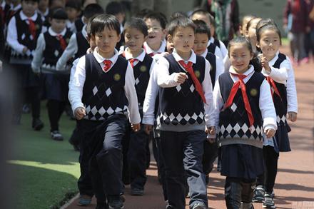 校服厂家 声誉好的河南专业校服设计公司