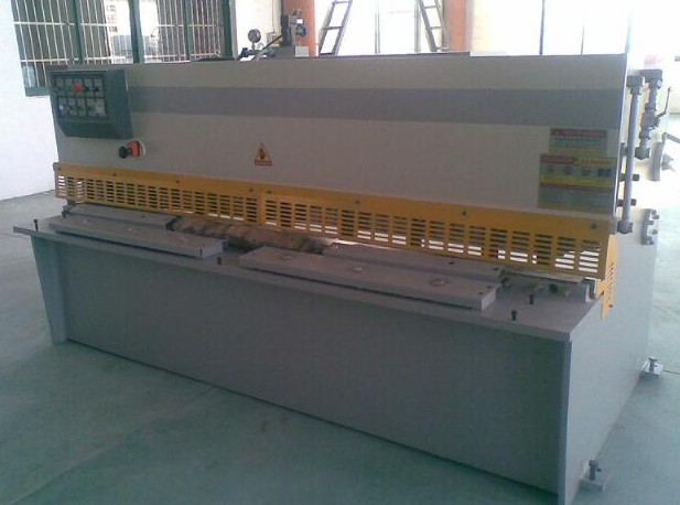 价格合理的优惠供应QC12K-4X4000液压摆式剪板机 安徽有品质的QC12K系列液压摆式剪板机供应