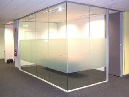 西安玻璃隔断定做|陕西品质好的西安玻璃隔断批销