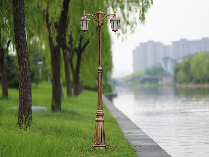 庭院灯定做_甘肃朗坤照明专业供应庭院灯