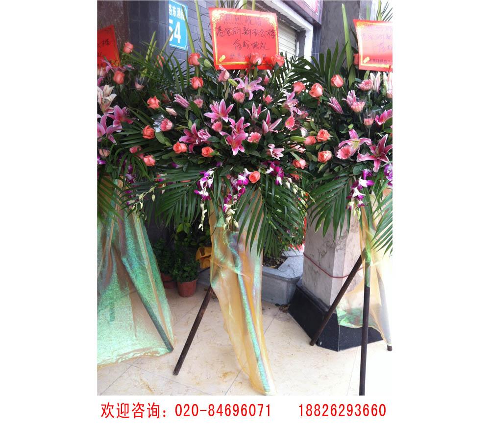 为您推荐有品质的三角木架花篮 _鲜花供应