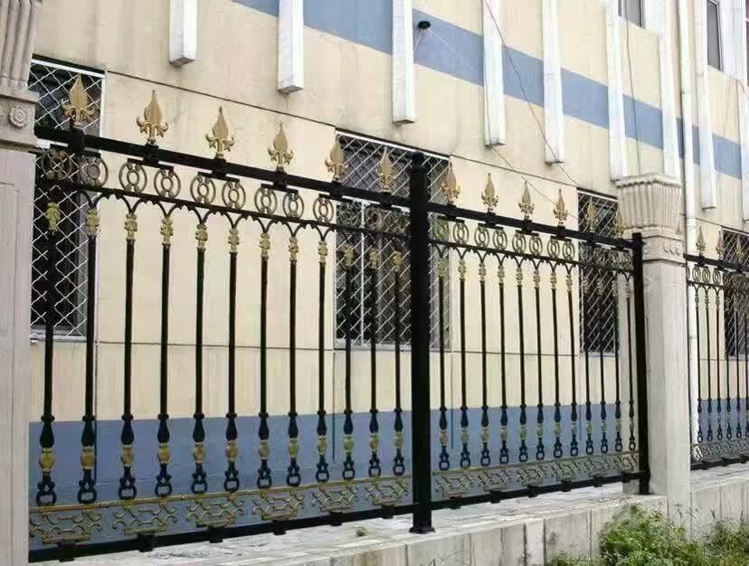 横县铁艺护栏厂-选销量好的铁艺护栏网,就到宏迈丝网
