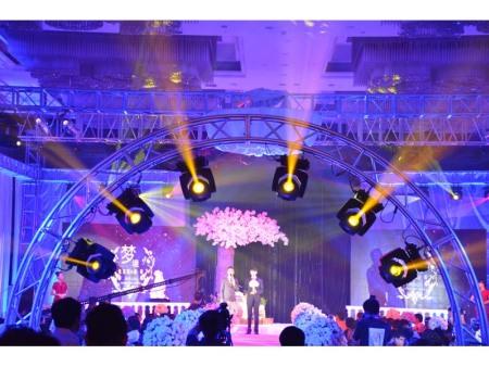 论舞台灯光的设计和表现