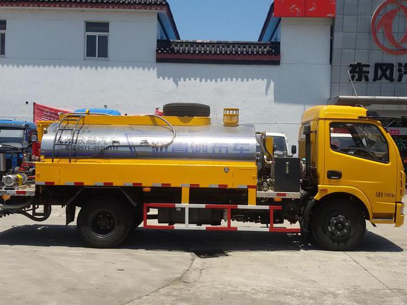 带导热油型沥青洒布车价格-杭州欣融专业的导热油型沥青洒布车出售