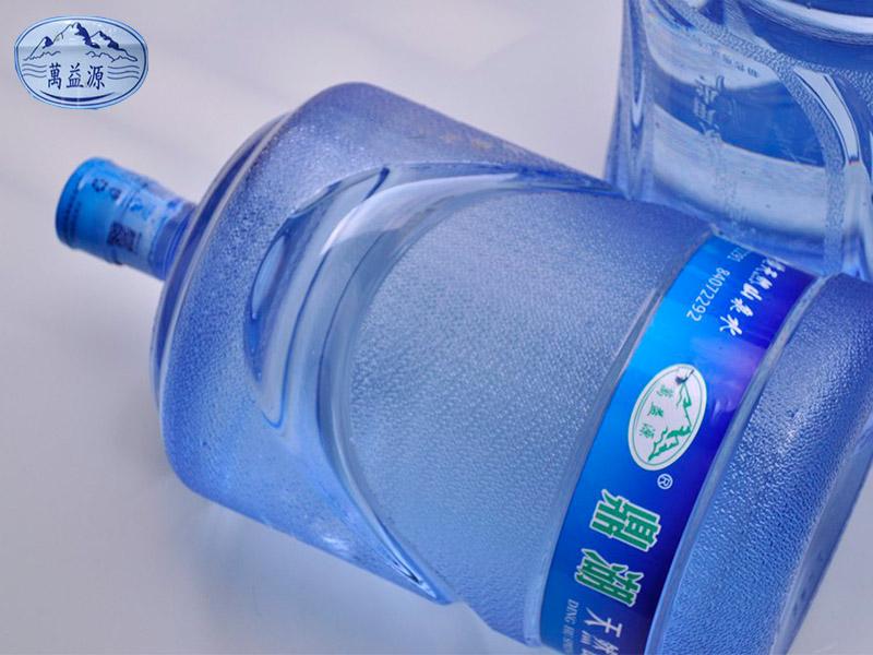 山泉水-鼎湖泉饮用水-有口皆碑的万益源鼎湖泉饮用水公司
