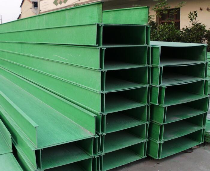 广西玻璃钢电缆管箱工程-广西南宁威玻复合材料高性价玻璃钢管箱出售