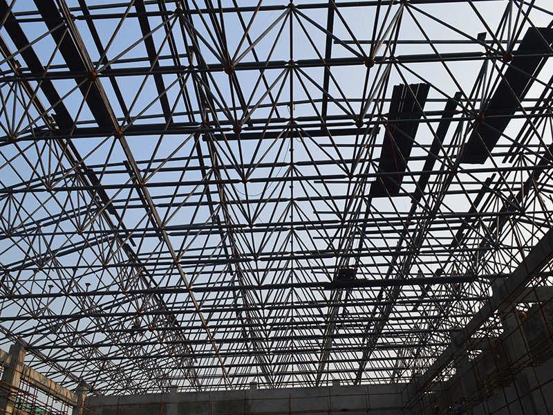 钢结构网架建造找安徽不凡建筑 安徽不凡建筑科技有限公司成立至今,在公司领导人的带领下,始终坚持科学发展,贯彻创新精神,成就了今日的辉煌。安徽不凡建筑主营景观工程,销售业绩扶摇直上。公司发展稳健,坚持品质为先,为客户提供满意的产品。如有需求,欢迎来电,我司发挥优势,愿广泛合作。 安徽不凡建筑科技有限公司位于美丽之城、黄梅戏故乡--安庆市,地理位置优越,交通便利。我司是专业生产轻钢别墅、净化无尘、钢结构网架、轻钢雨棚、移动厕所、膜结构的大型企业;企业自成立以来,一直本着因为专注,所以专业的生产理念,按照规模