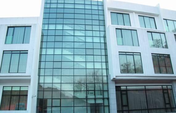 电动百叶窗厂家-潍坊玻璃幕墙哪家比较好