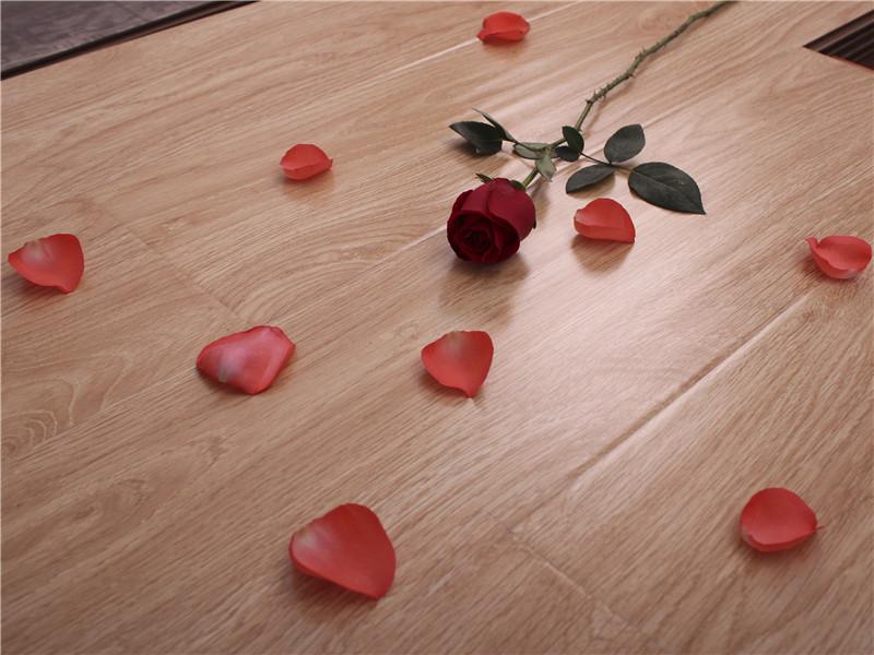 大量出售高性价实木复合地板_乌鲁木齐实木复合地板加盟