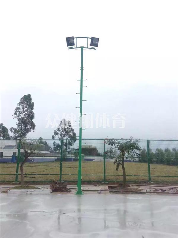 购买好的篮球场灯杆优选广西众健翔体育 ,广西热镀锌运动场灯杆