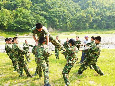 淄博野外生存训练营-潍坊军事拓展哪家声誉好