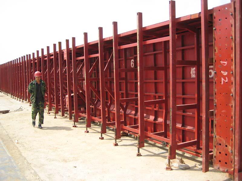 甘肃桥梁模板|有品质的桥梁模板甘肃赫然建筑模架供应