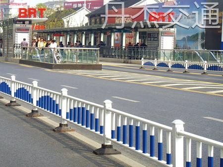 江苏质量好的道路护栏销售 道路护栏供应