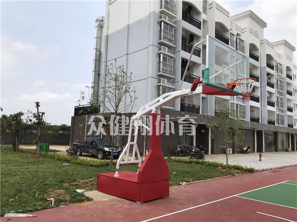 桂林液压篮球架品牌|抢手的液压篮球架出售【厂家推荐】产品大图