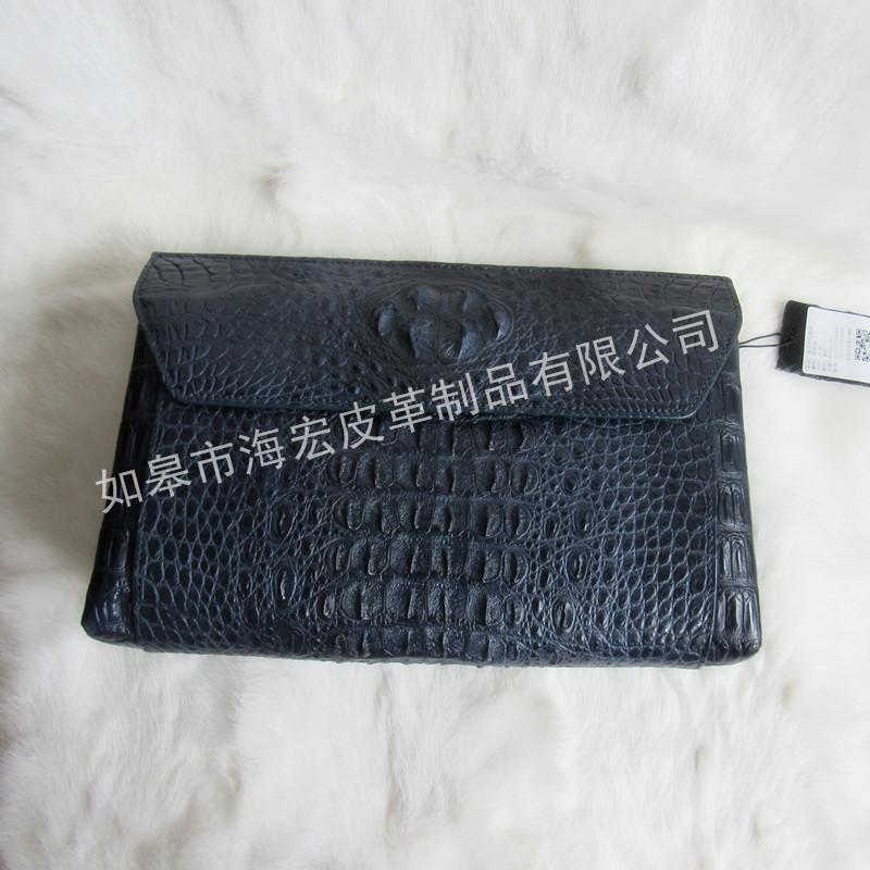 泰国鳄鱼皮手包价格 如何挑选不错的鳄鱼皮手包