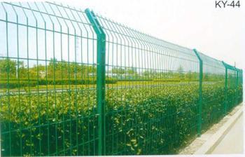 南宁公路护栏网安装 供应南宁质量好的高速公路护栏网
