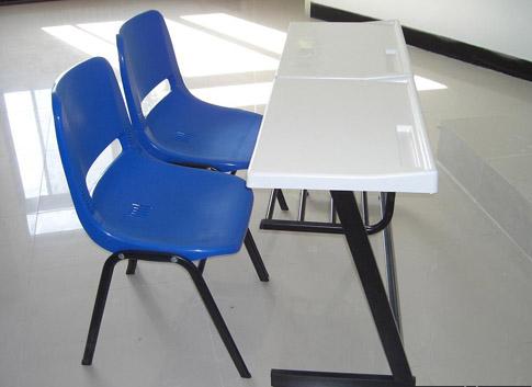售卖校用课桌椅_河北质量可靠的校用课桌椅生产厂家