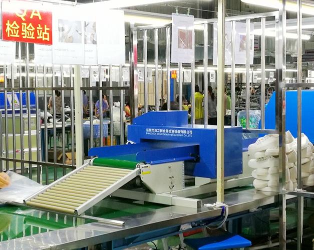 價位合理的流水線上置輸送式檢針機|高品質的彩色觸屏流水線上置輸送式檢針機哪里有賣