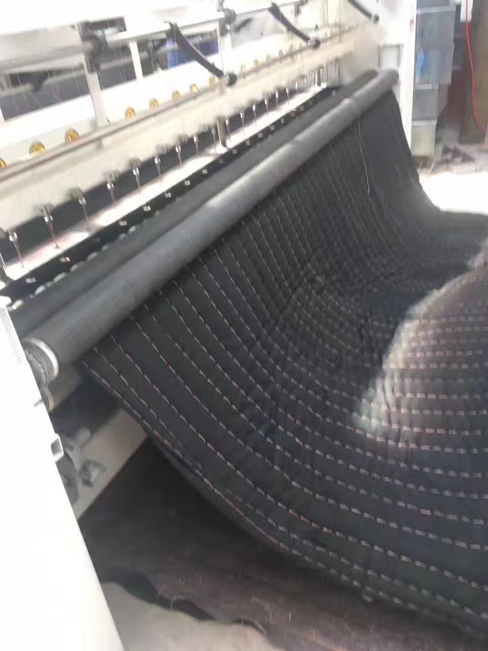 【推荐】沧州明光精密机械爆款多针绗缝机,盘锦大棚棉被机