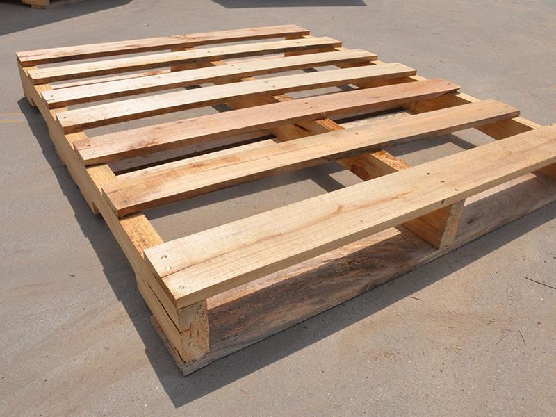 具有口碑的木托板,华鸿木厂提供-木托板砖机