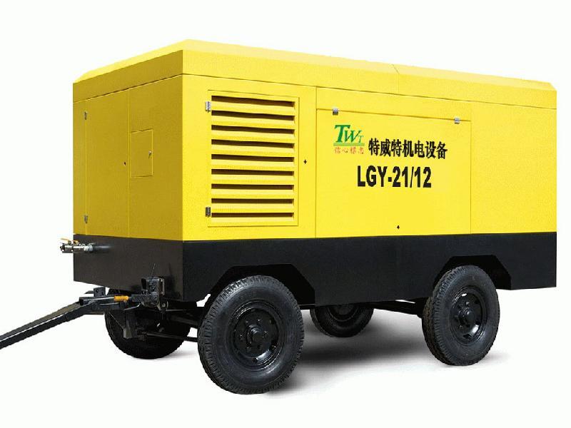 东莞发电机100KW玉柴移动式静音箱发电机组