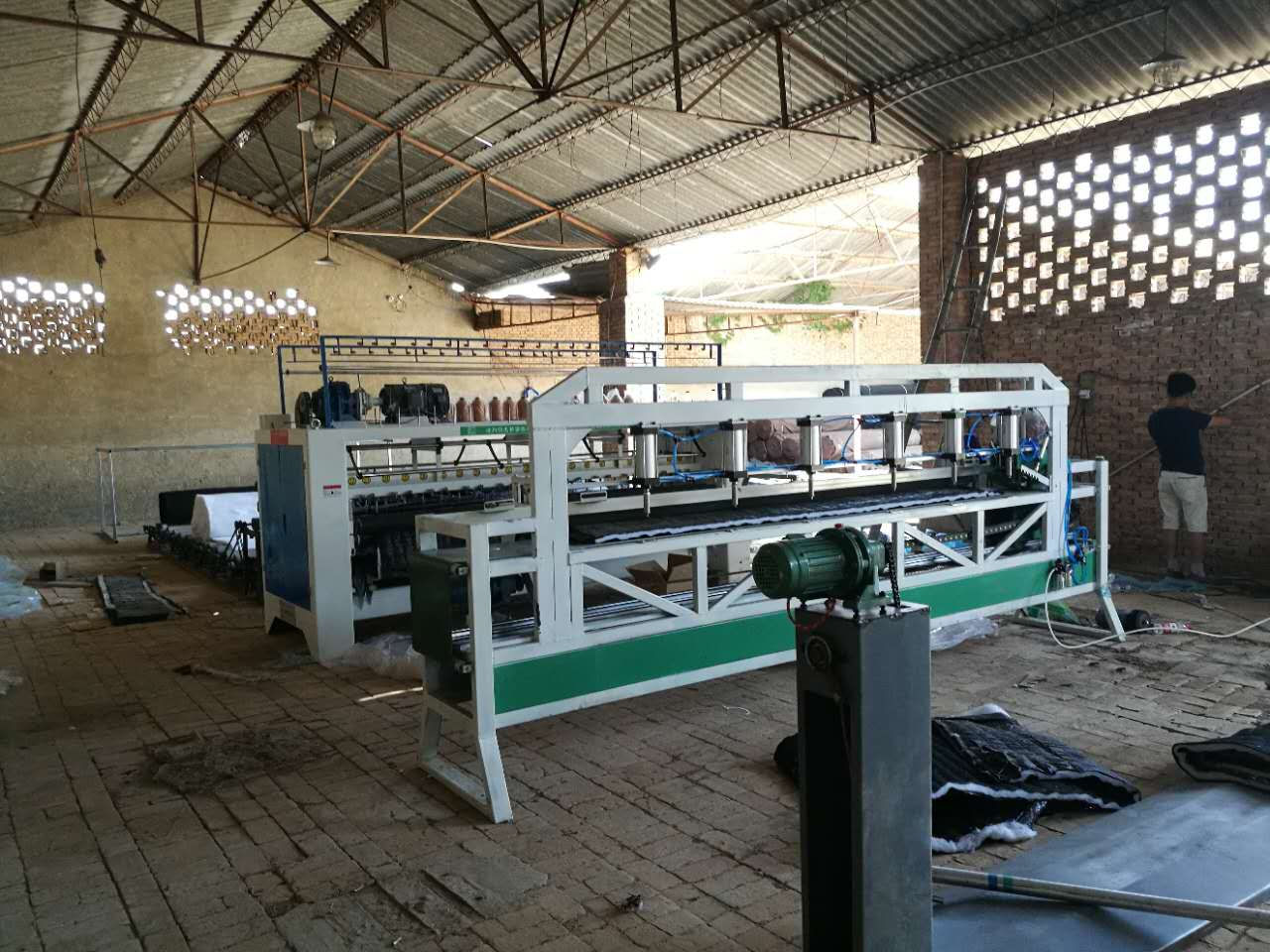 知名的大棚棉被机供应商_沧州明光精密机械-河北大棚棉被机销售