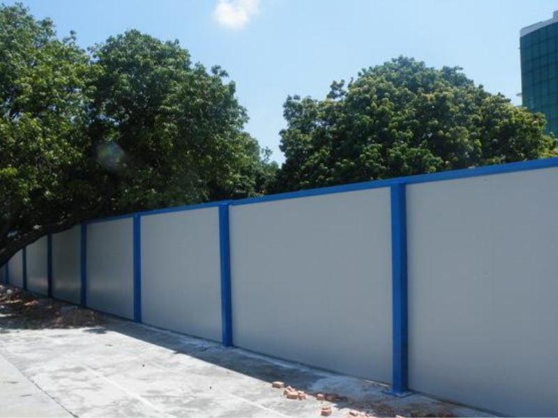 厦门彩钢板围墙_嘉创活动房专业提供彩钢板围墙制造