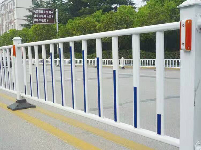 银川哪里有专业的道路护栏供应|甘肃道路护栏