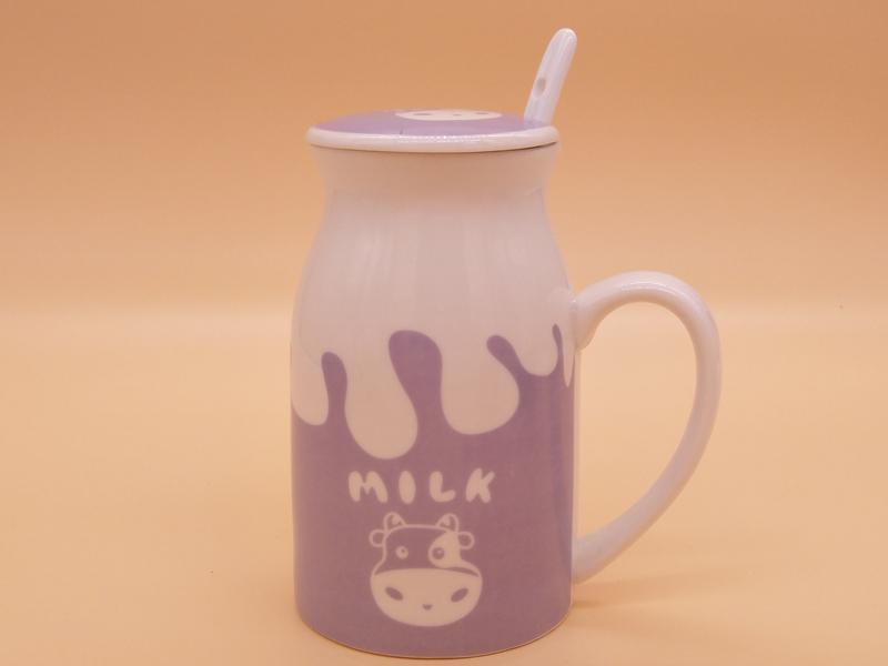 如何选购陶瓷杯|福建四色卡通陶瓷牛奶杯定制推荐