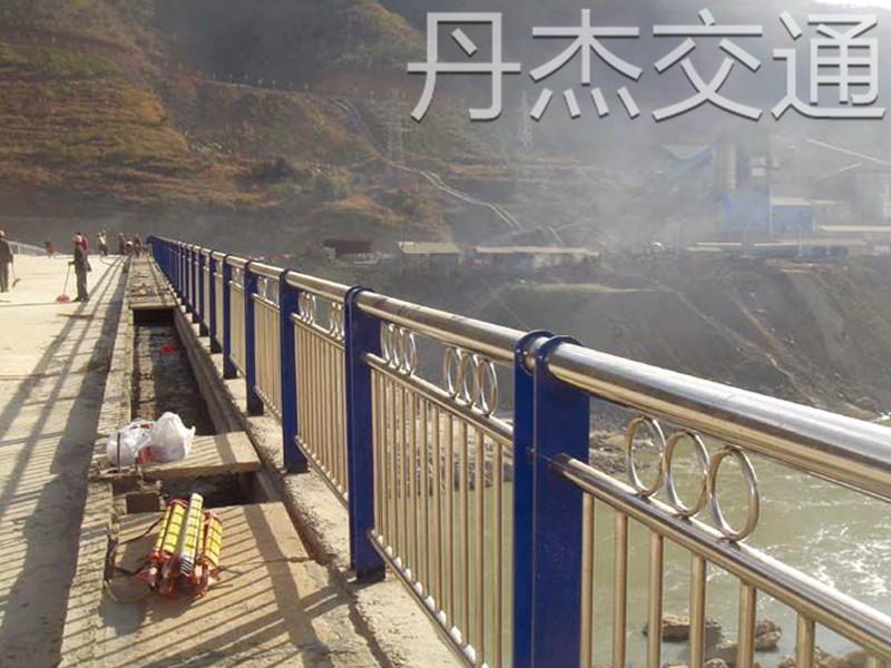 江苏优质桥梁护栏厂家推荐|桥梁护栏厂家