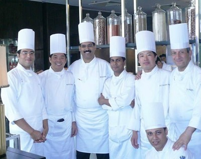厨师加拿大雇主担保移民价格费用-加拿大餐饮招聘