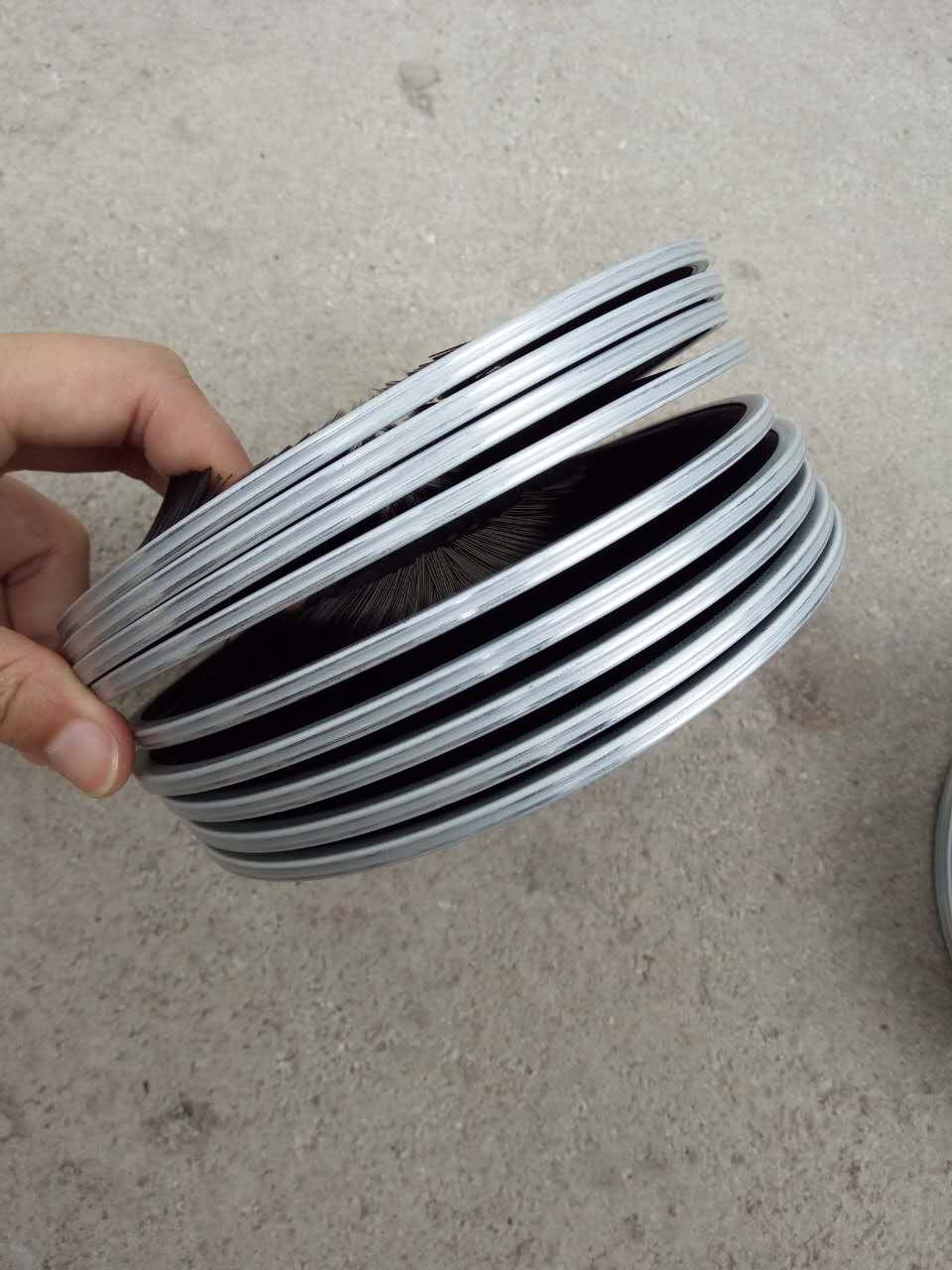 弹簧刷生产加工|价位合理的弹簧刷,金制刷业倾力推荐