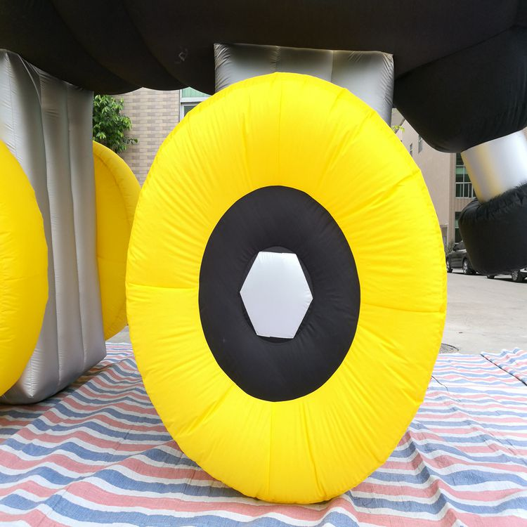 如何选购厂家直销定制仿真溜冰鞋充气模型行业活动庆典气模一件代发|5米高溜冰鞋模型哪里定做