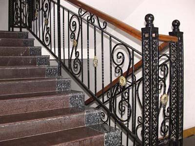 甘肃楼梯定做-品质可靠的铁艺楼梯推荐