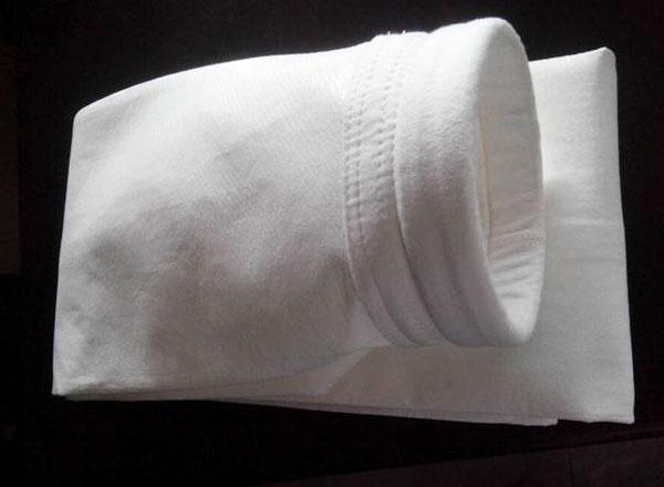 三防涤纶针刺毡除尘布袋 河北划算的除尘布袋