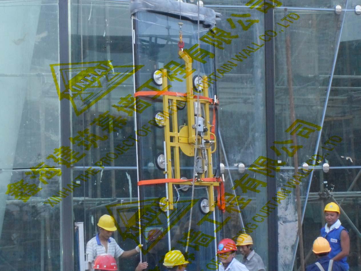 知名的幕墙玻璃安装服务怎么样 幕墙维修哪家好