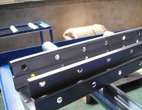 华利伟型钢科技为您供应优质仓储立柱钢材 淮安仓储立柱