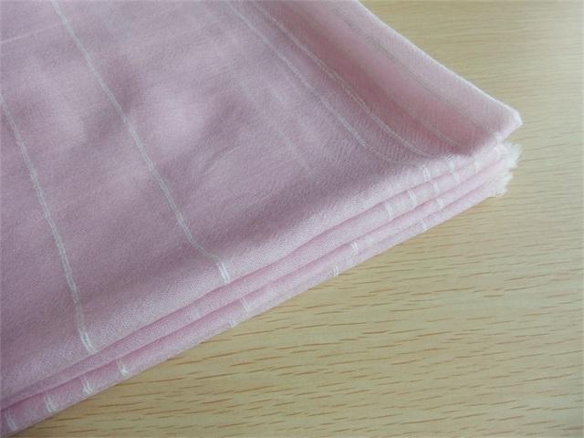 内蒙金威羊纺织品提供好的羊绒薄围巾产品,什么是羊绒围巾